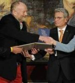 Angela Merkel récompense l'auteur des caricatures du Prophète (psbl)