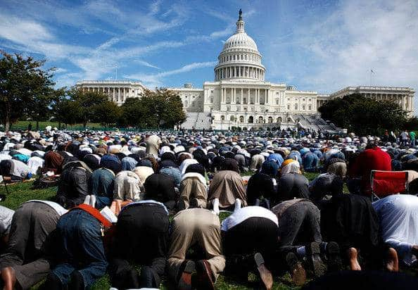 musulmans priant au capitol