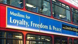 Musulman luttant contre l'islamophobie