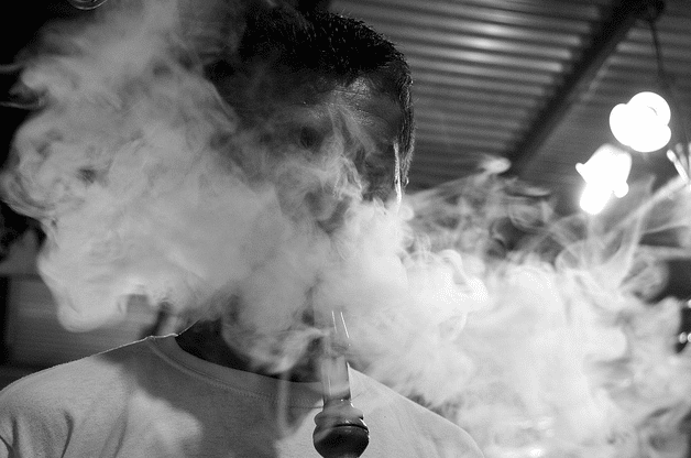 La chicha : une bouffée de fumée parfumée et un cancer à la clé