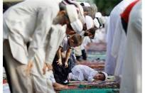 prière dans une mosquéze