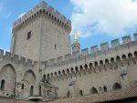Avignon : Des inscriptions islamophobes sur le Palais des Papes