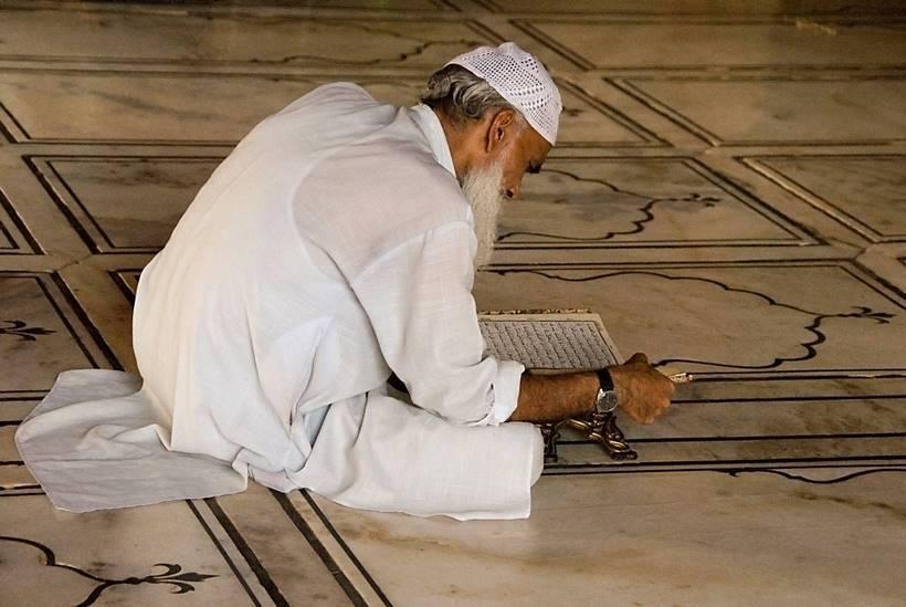 Man_With_Quran_Delhi