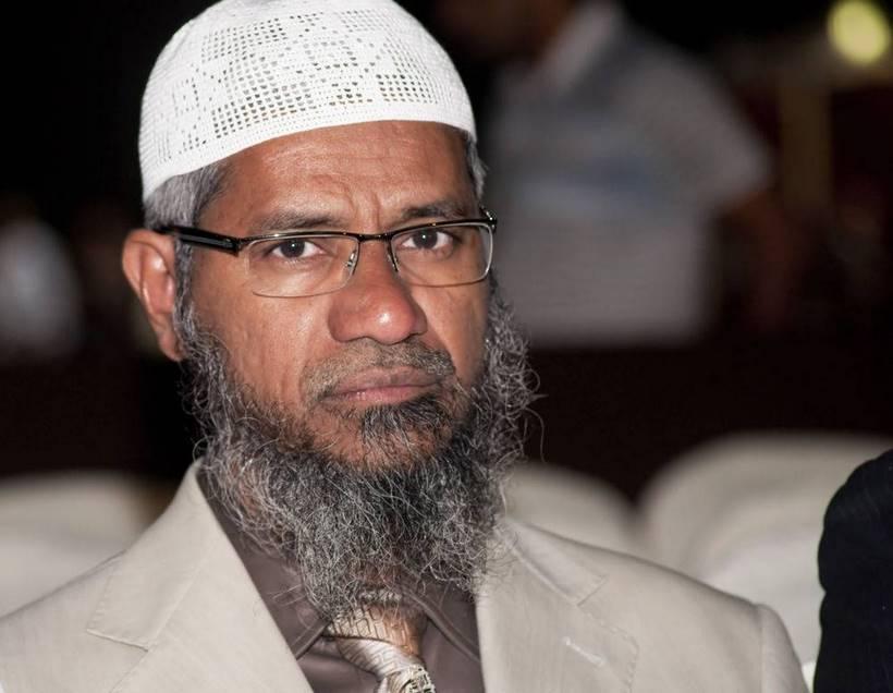"""dr zakir naik Dr zakir naik: """"saudaraku, itu adalah pertanyaan yang sangat bagus qur'an berfirman untuk beriman kepada nabi muhammad shallallahu 'alaihi wasallam, bible."""