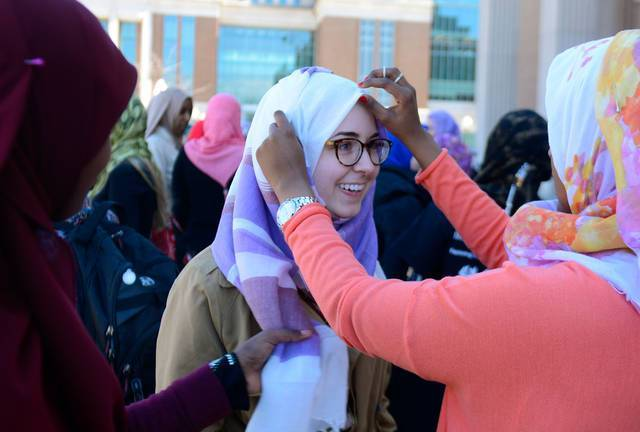 USA : les étudiants du Minnesota sensibilisent au port du hijab
