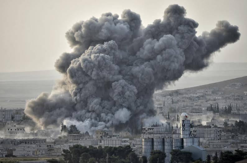 Pendant ce temps, la Syrie bombardée par l'armée française