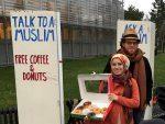 UK : un couple musulman invite les passants à discuter