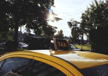 taxi-705822_960_720
