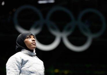 Ibtihaj Muhammad fait l'histoire à Rio